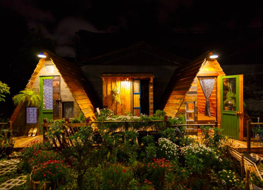 Lều gỗ thông Túc homestay
