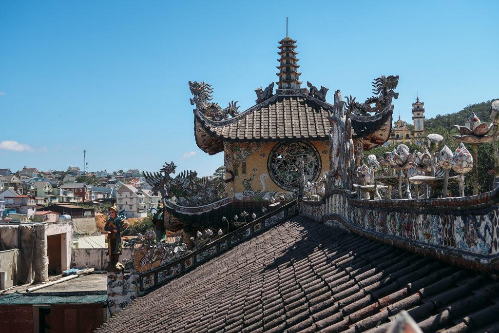 Đa phần kiến trúc là mái ngói