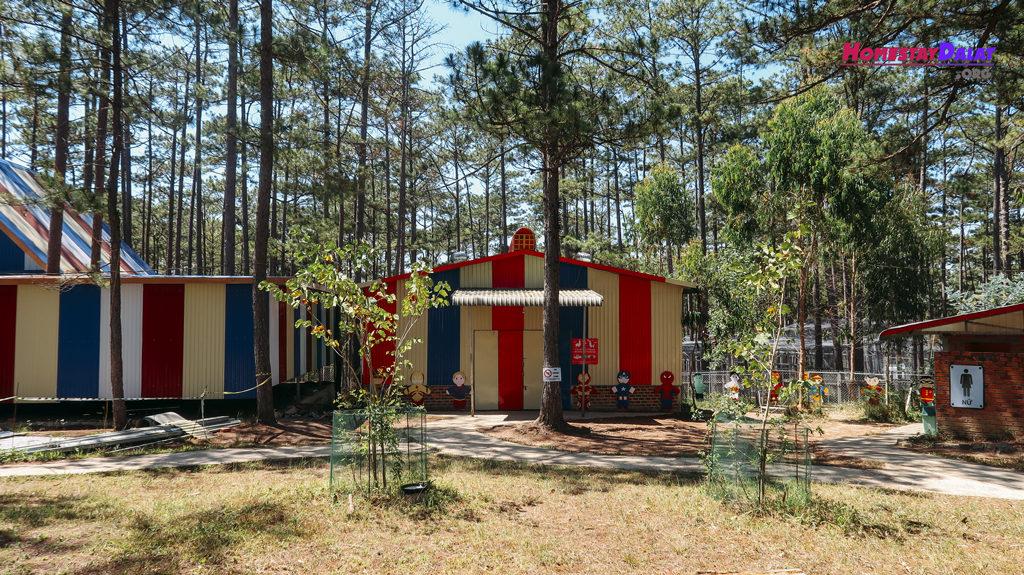 Cổng vào vườn thú ZooDoo