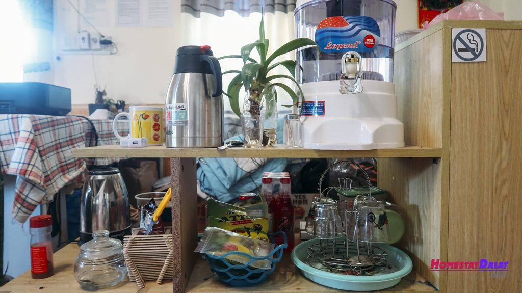 Homestay Together Đà Lạt có phục vụ trà và cafe