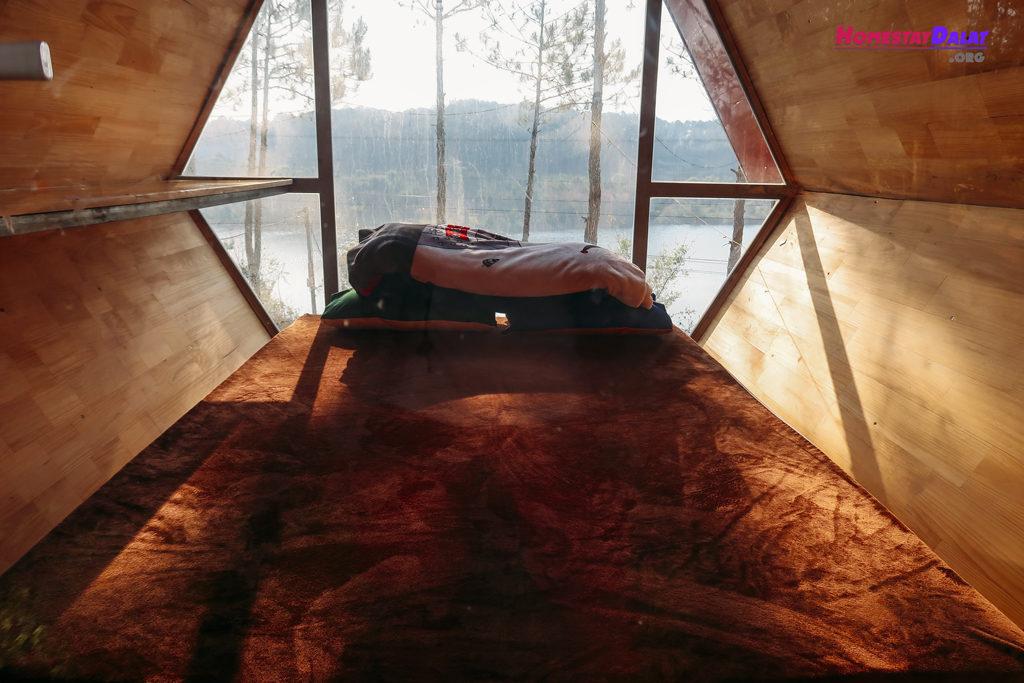 Nội thất bên trong phòng lều Romeo And Juliet