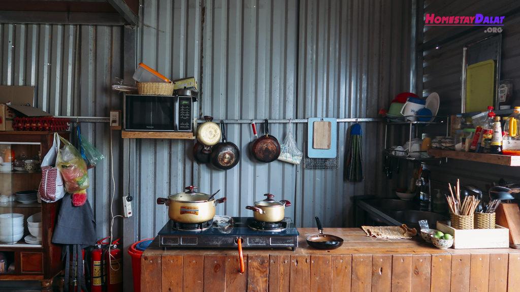 Nhà bếp The Barn Home Farm Đà Lạt