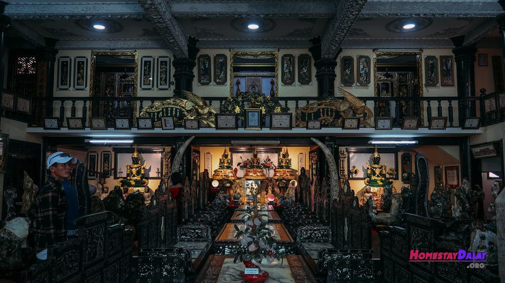 Phòng trưng bày chùa Ve Chai