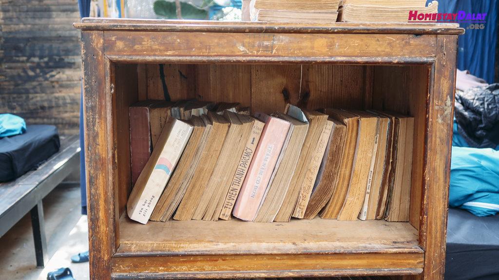 The Barn Home Farm cũng có khá nhiều sách cổ độc đáo