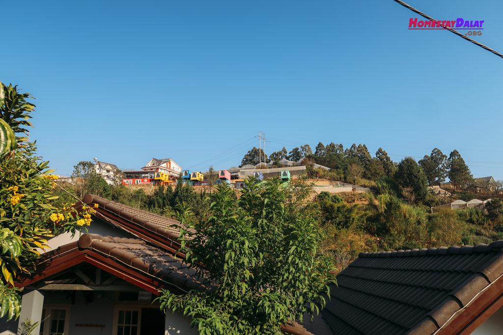 View đồi thoáng mát ở Together homestay Đà Lạt