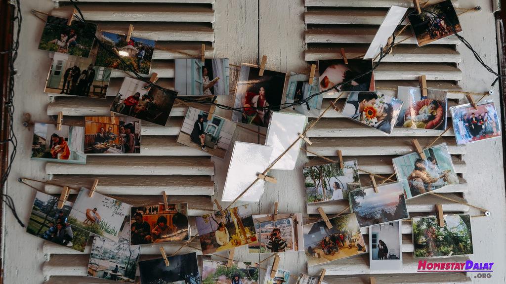 Những bức ảnh chụp khách du lịch được lưu giữ lại