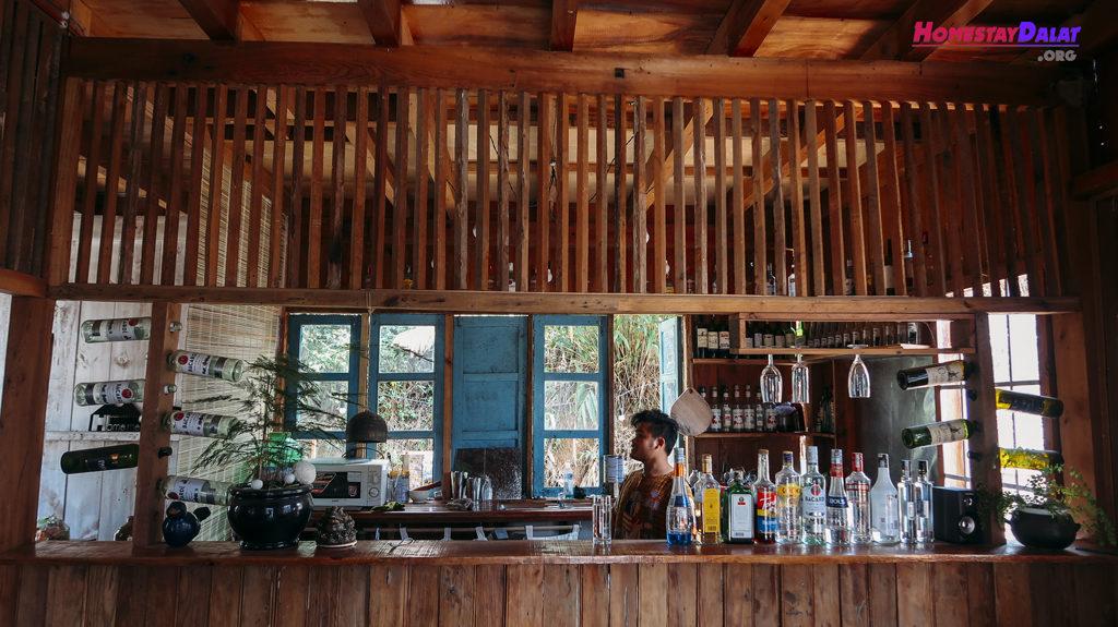 Quầy bar cực cool của Home Me homestay