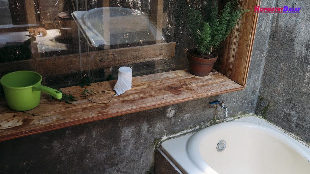 Tắm bồn là đặc trưng thú vị ở Home Me
