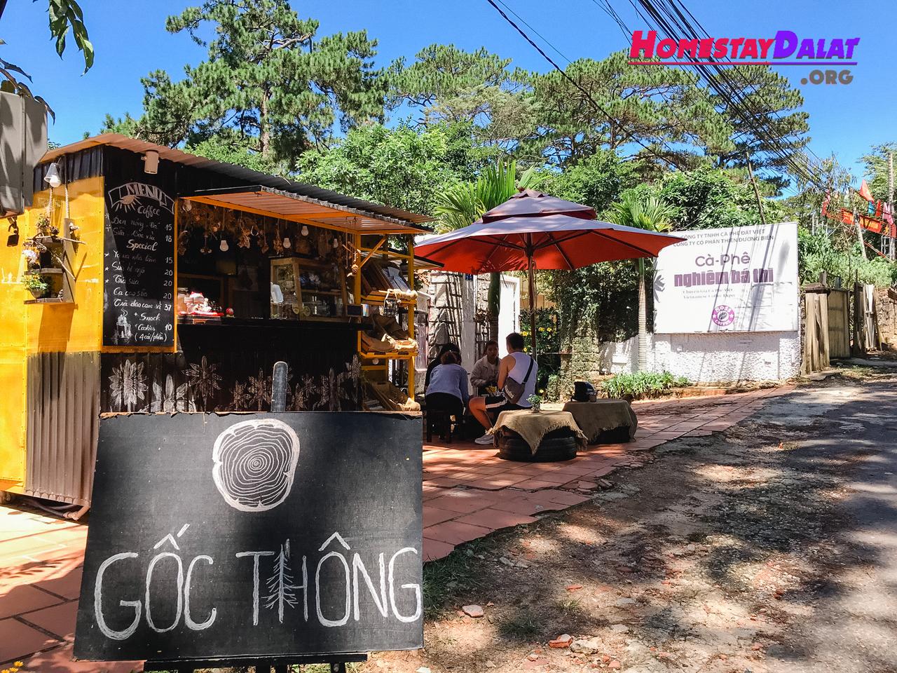 Góc Thông Cafe | Quán Cà Phê Lề Đường Yên Tĩnh Nhất Đà Lạt