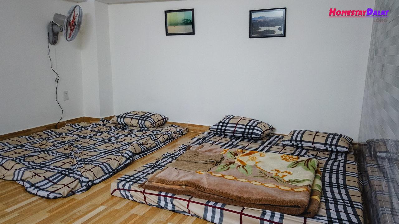 Phòng dorm ở tầng hầm cuối